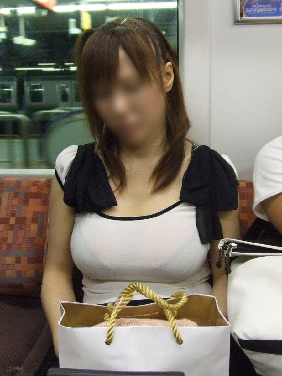 働く女性 ブラ透け画像 12