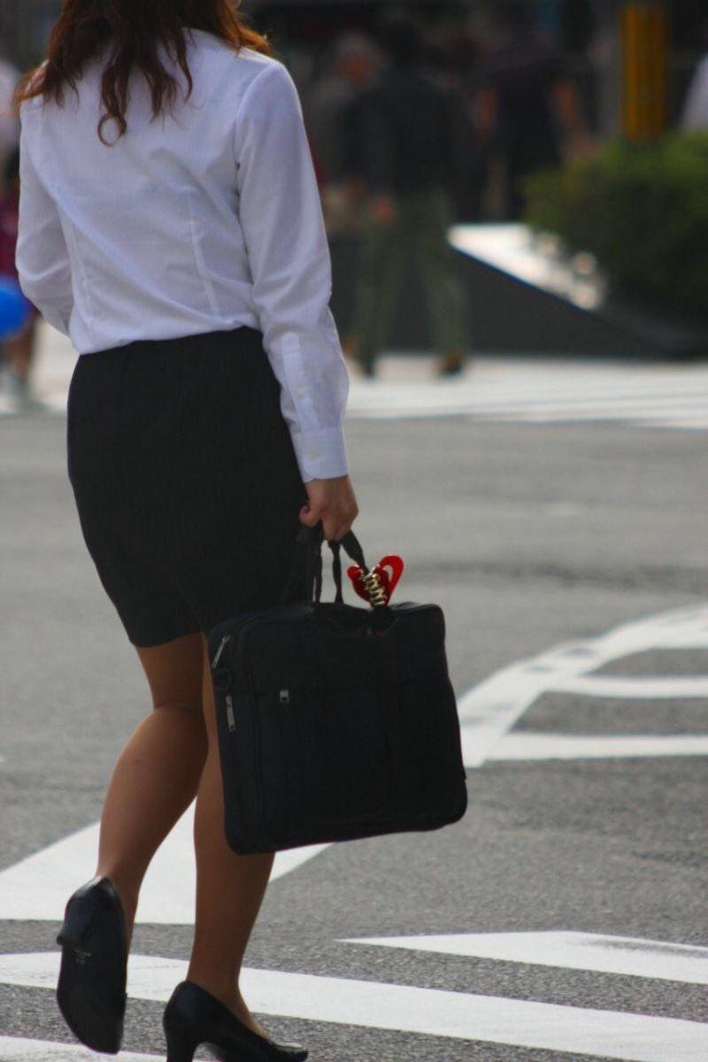働く女性 ブラ透け画像 18