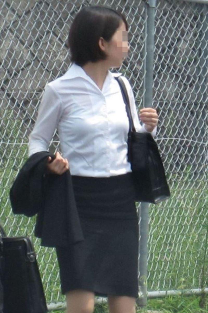 働く女性 ブラ透け画像 19