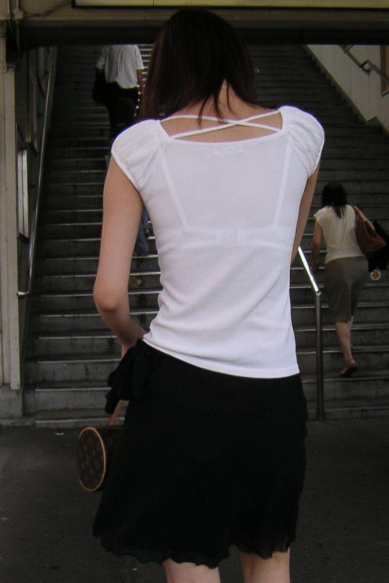 働く女性 ブラ透け画像 20