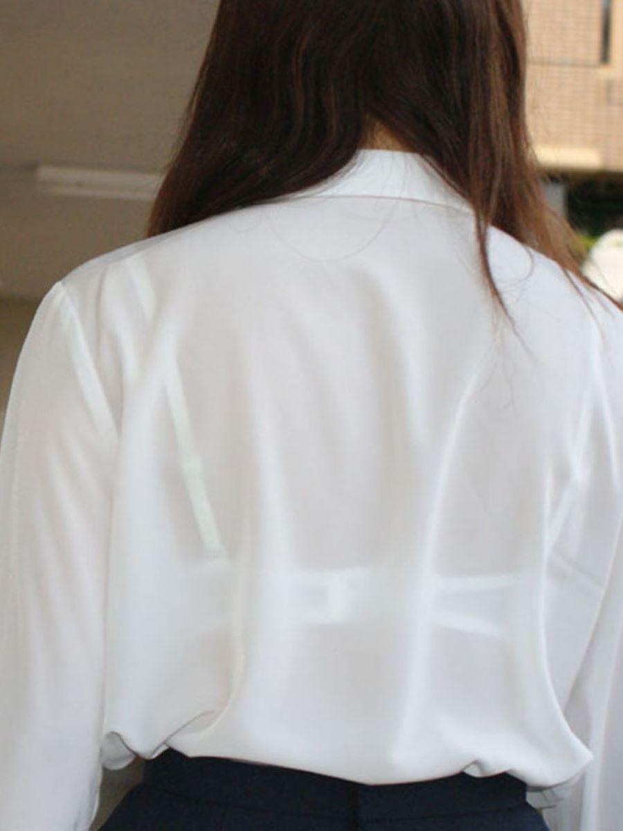働く女性 ブラ透け画像 47