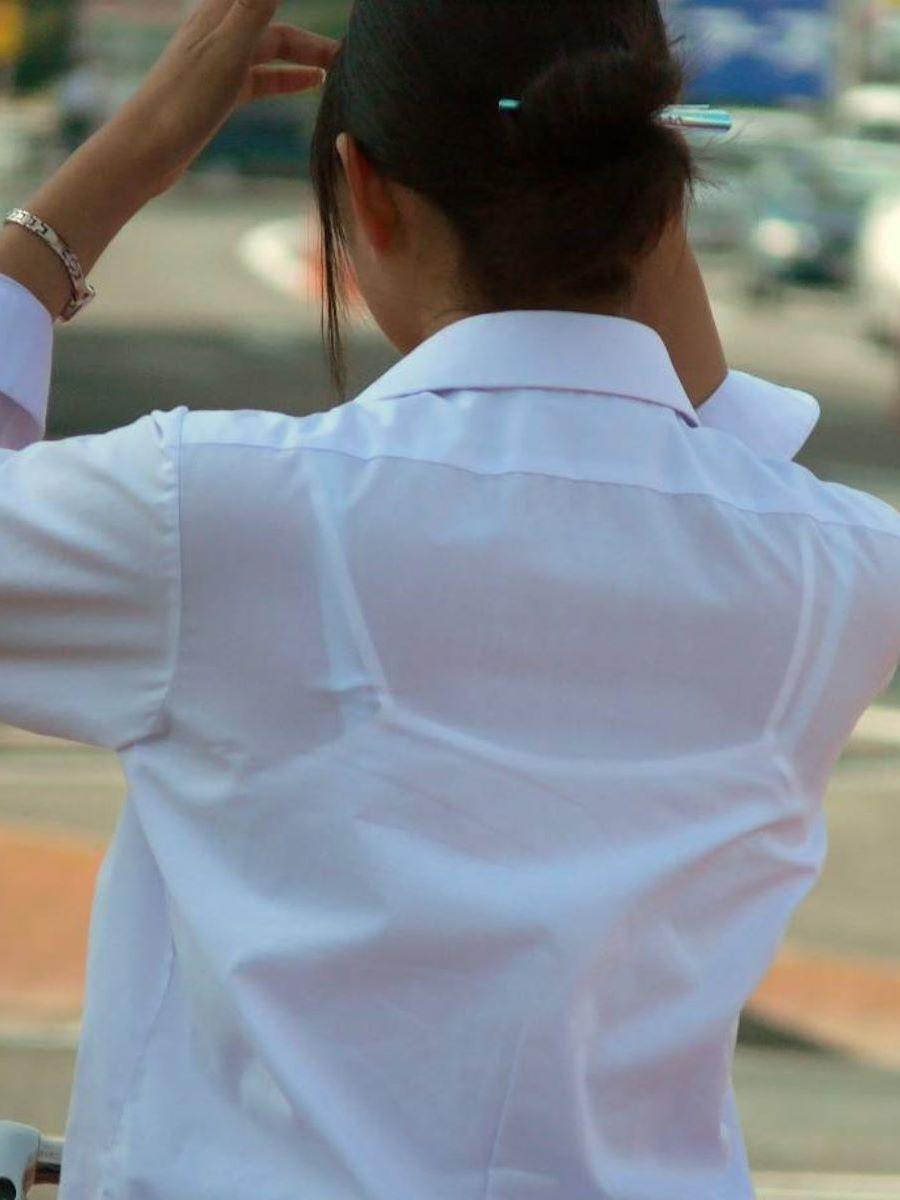 働く女性 ブラ透け画像 74