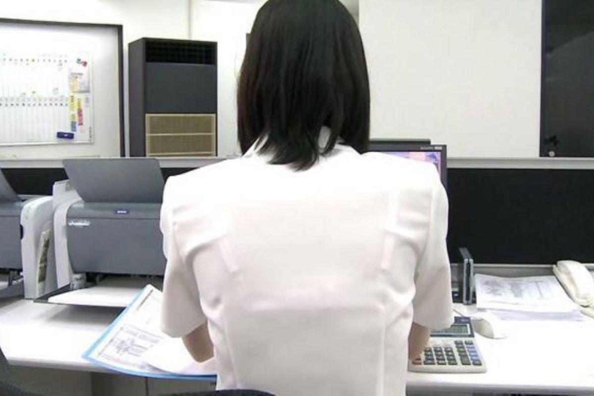 働く女性 ブラ透け画像 80