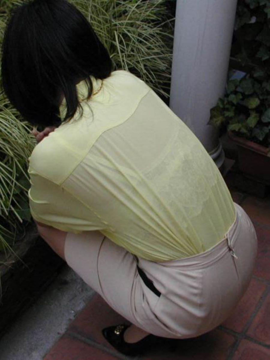 働く女性 ブラ透け画像 82