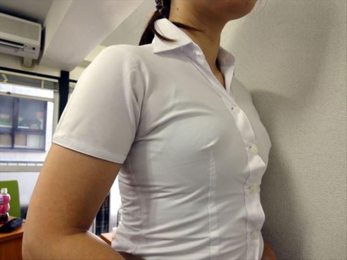 働く女性 ブラ透け画像 86