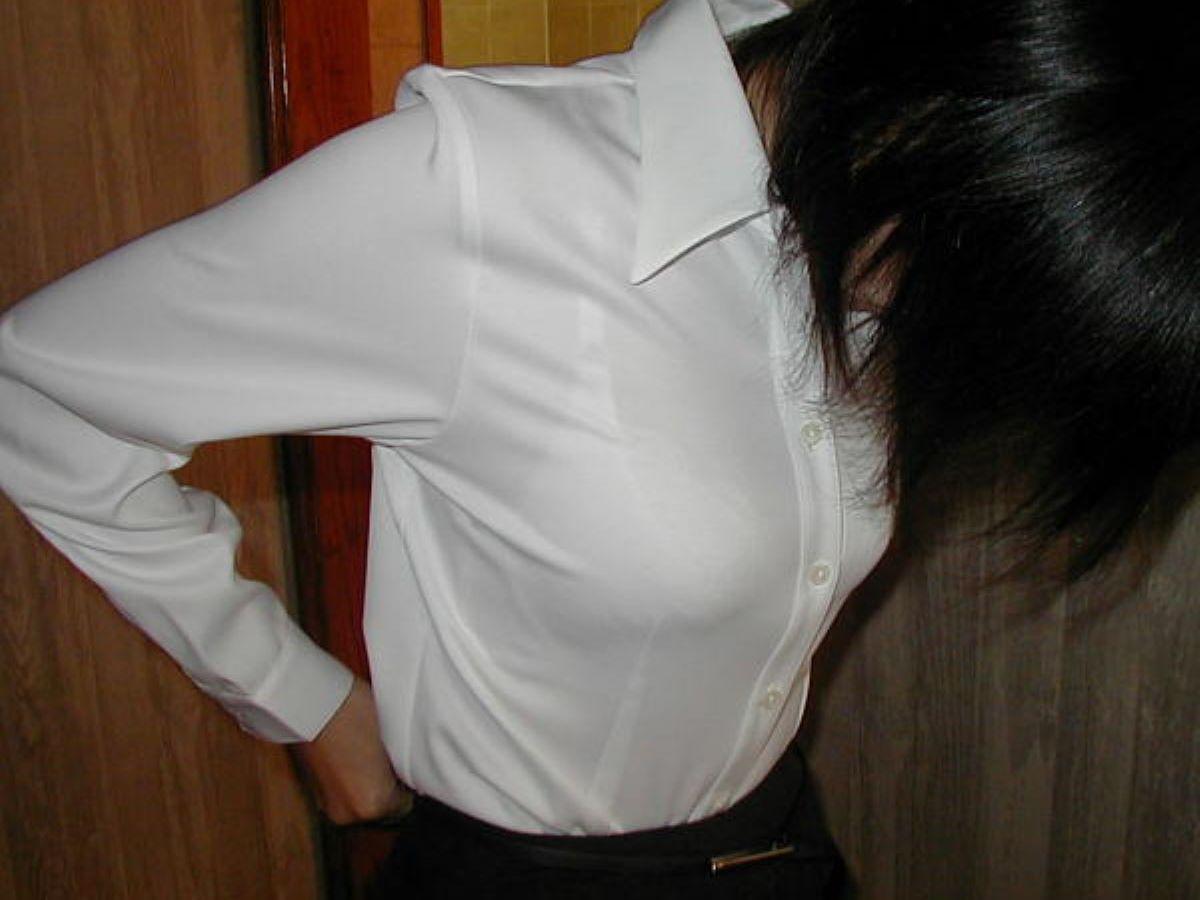働く女性 ブラ透け画像 93
