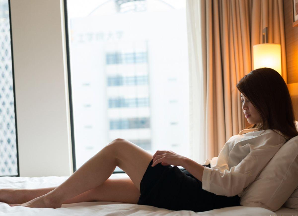 正常位から腹射する素人ハメ撮りセックス画像 33