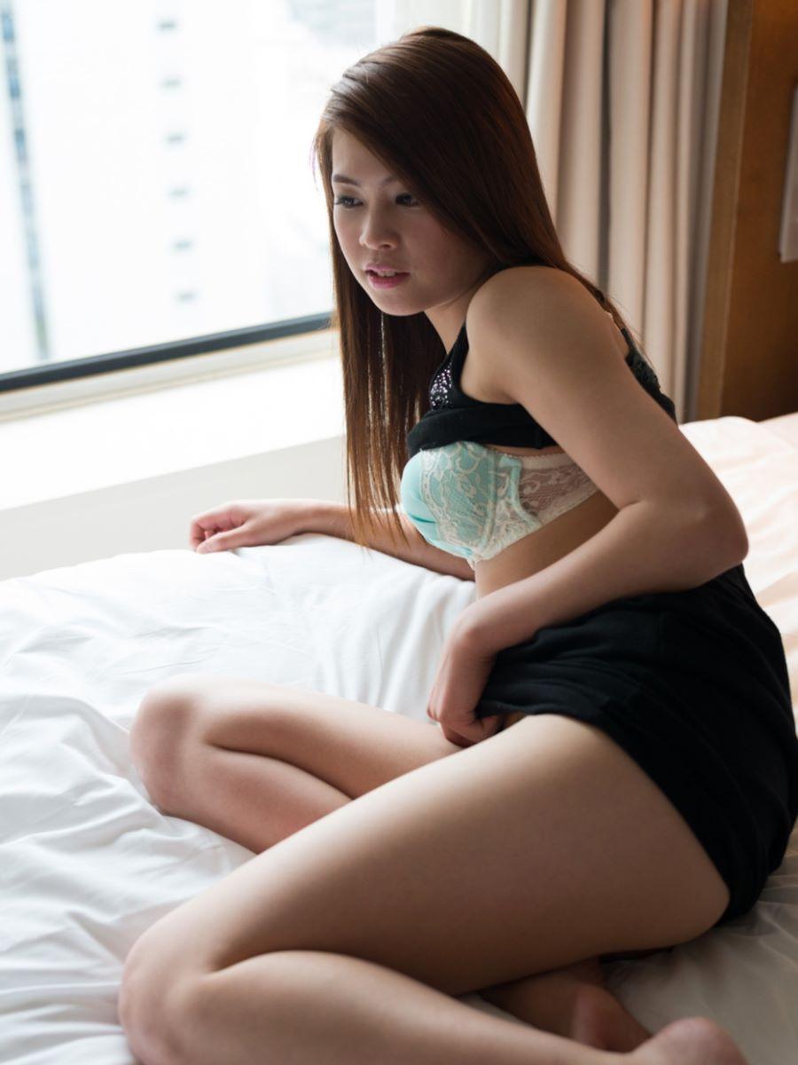 正常位から腹射する素人ハメ撮りセックス画像 43