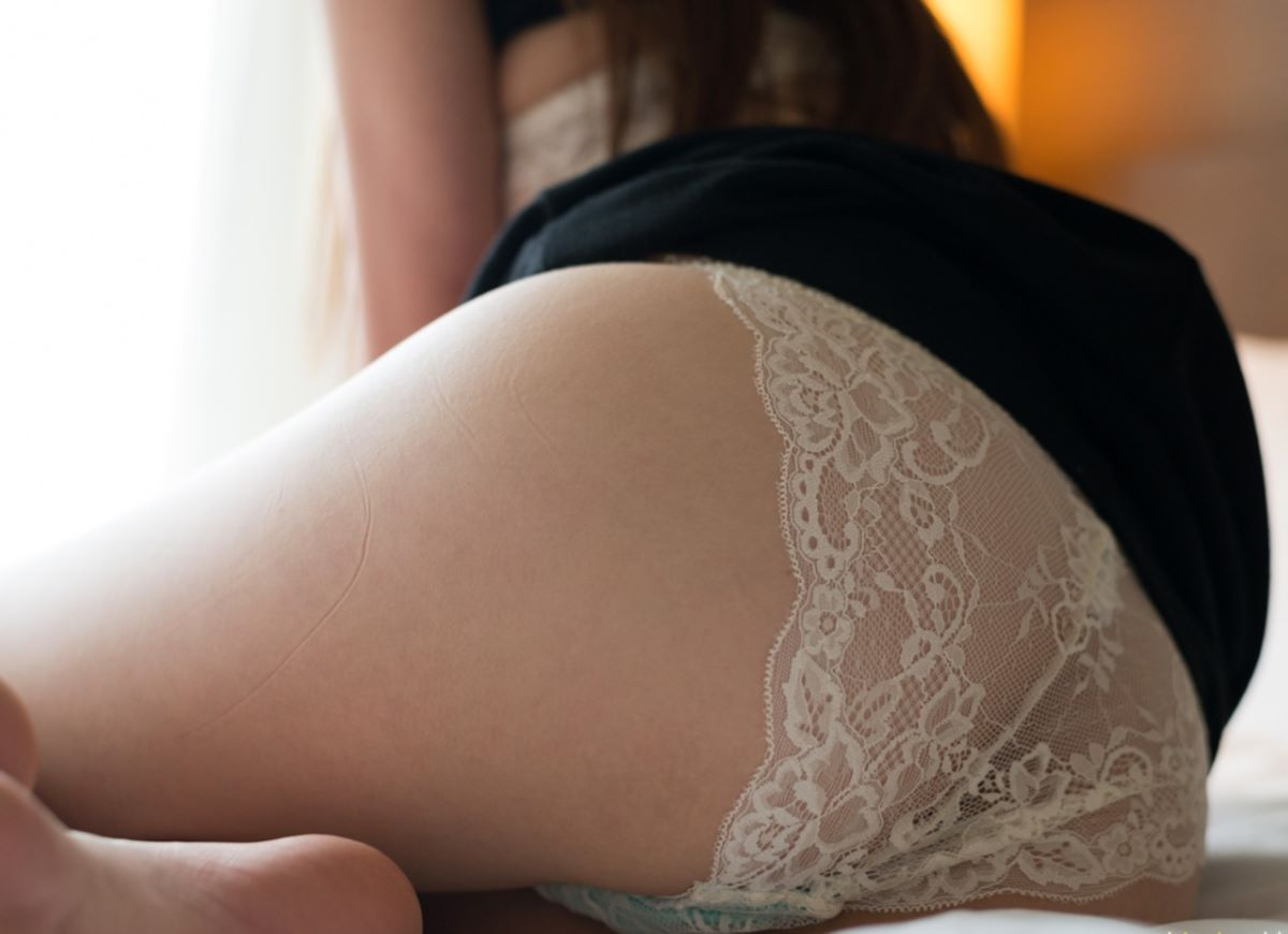 正常位から腹射する素人ハメ撮りセックス画像 49