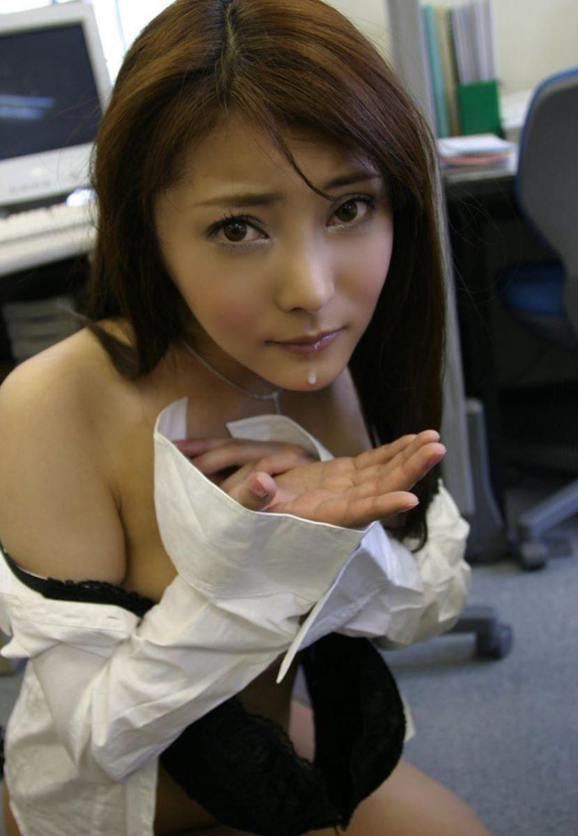 口内射精 エロ画像 71