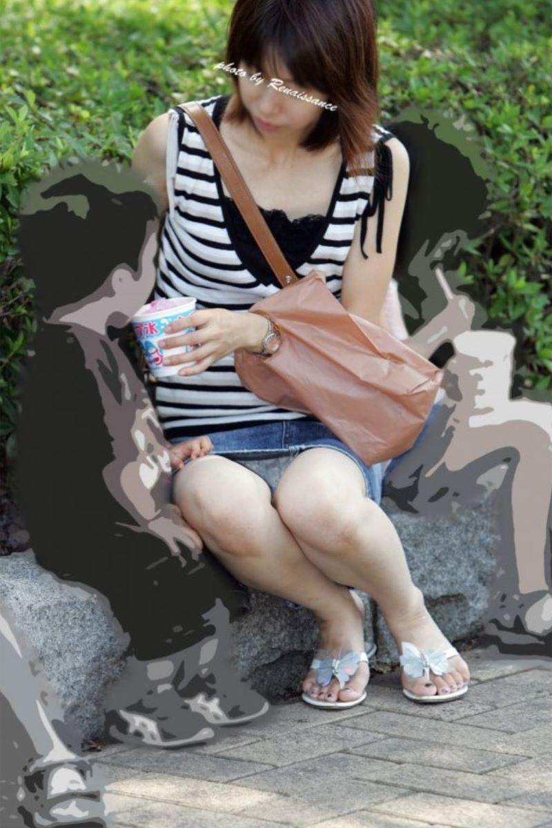 人妻 熟女 パンチラ画像 66