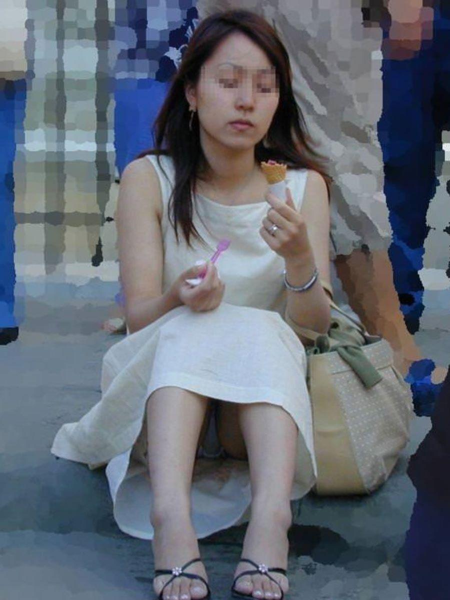 人妻 熟女 パンチラ画像 112