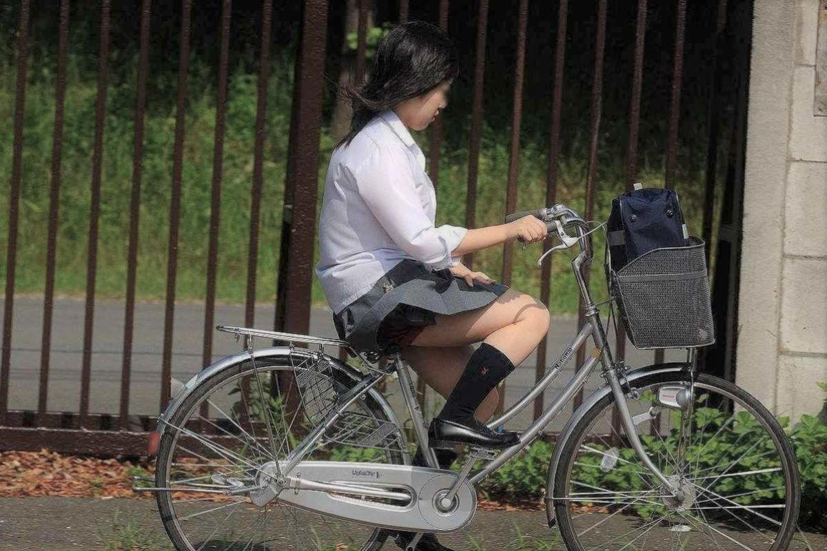 JK 自転車パンチラ画像 2