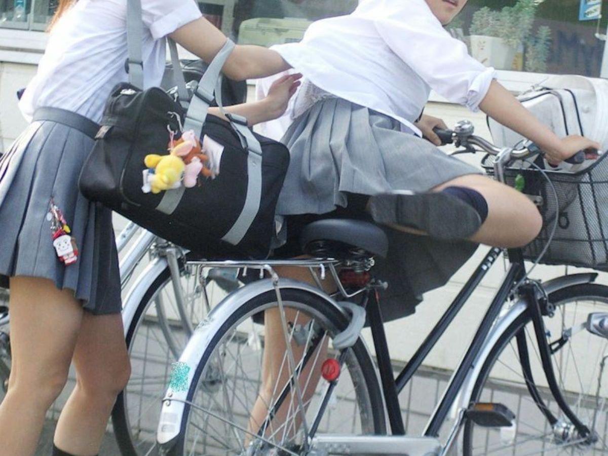 JK 自転車パンチラ画像 4