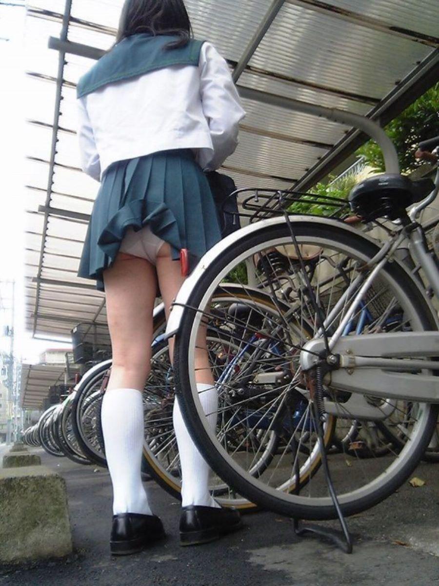 JK 自転車パンチラ画像 6