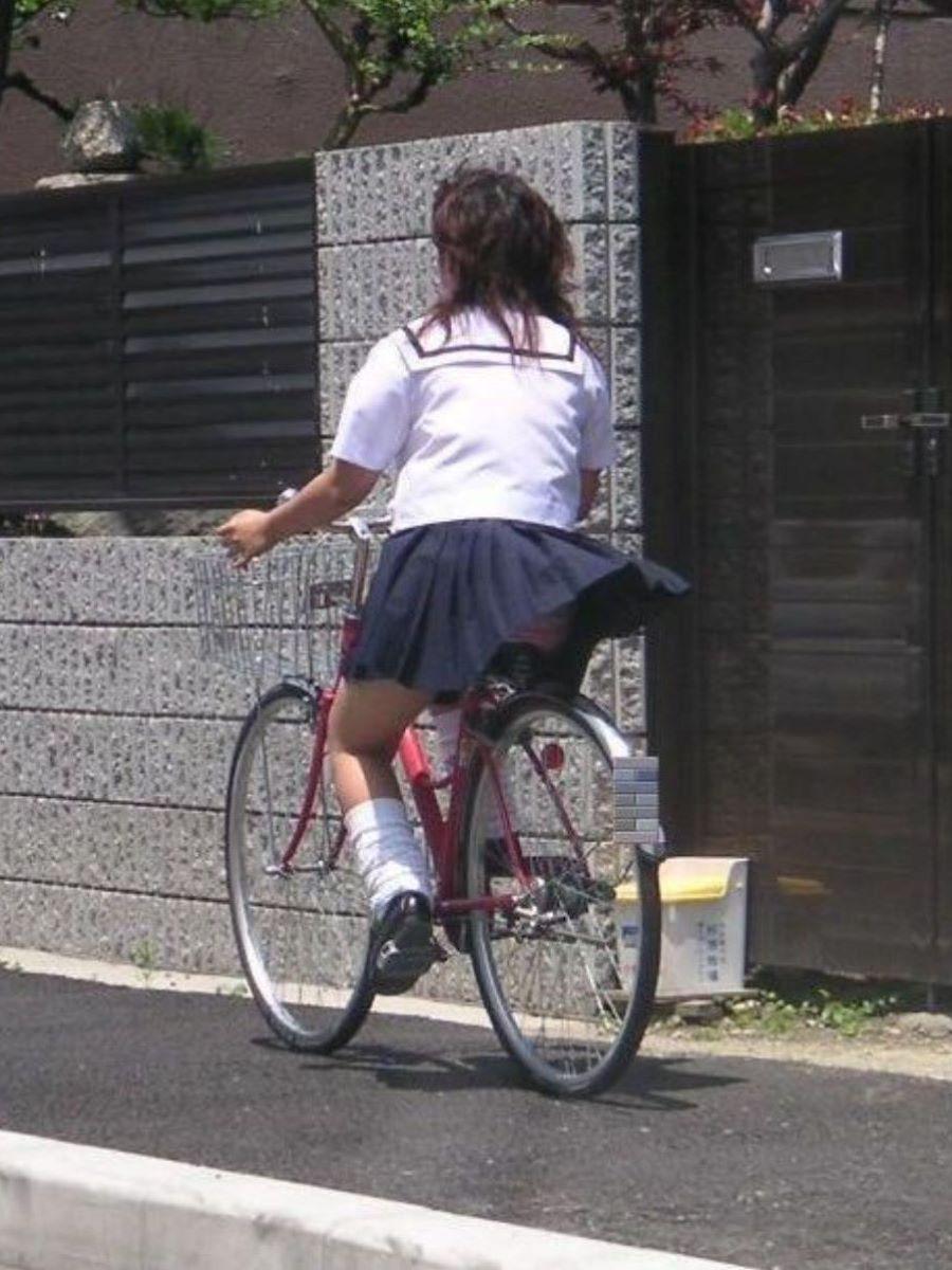 JK 自転車パンチラ画像 8