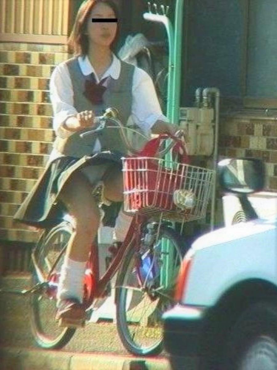 JK 自転車パンチラ画像 9