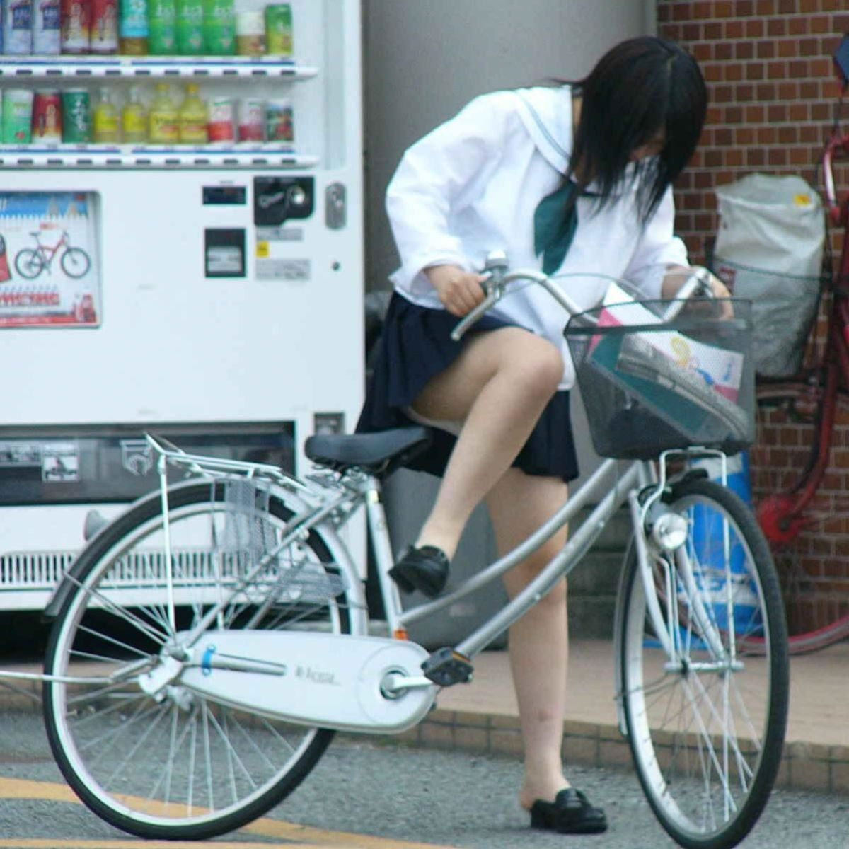 JK 自転車パンチラ画像 14