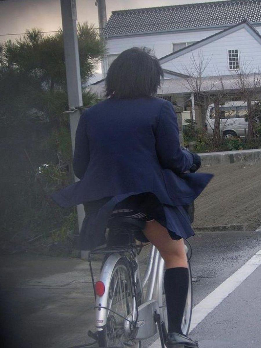 JK 自転車パンチラ画像 16