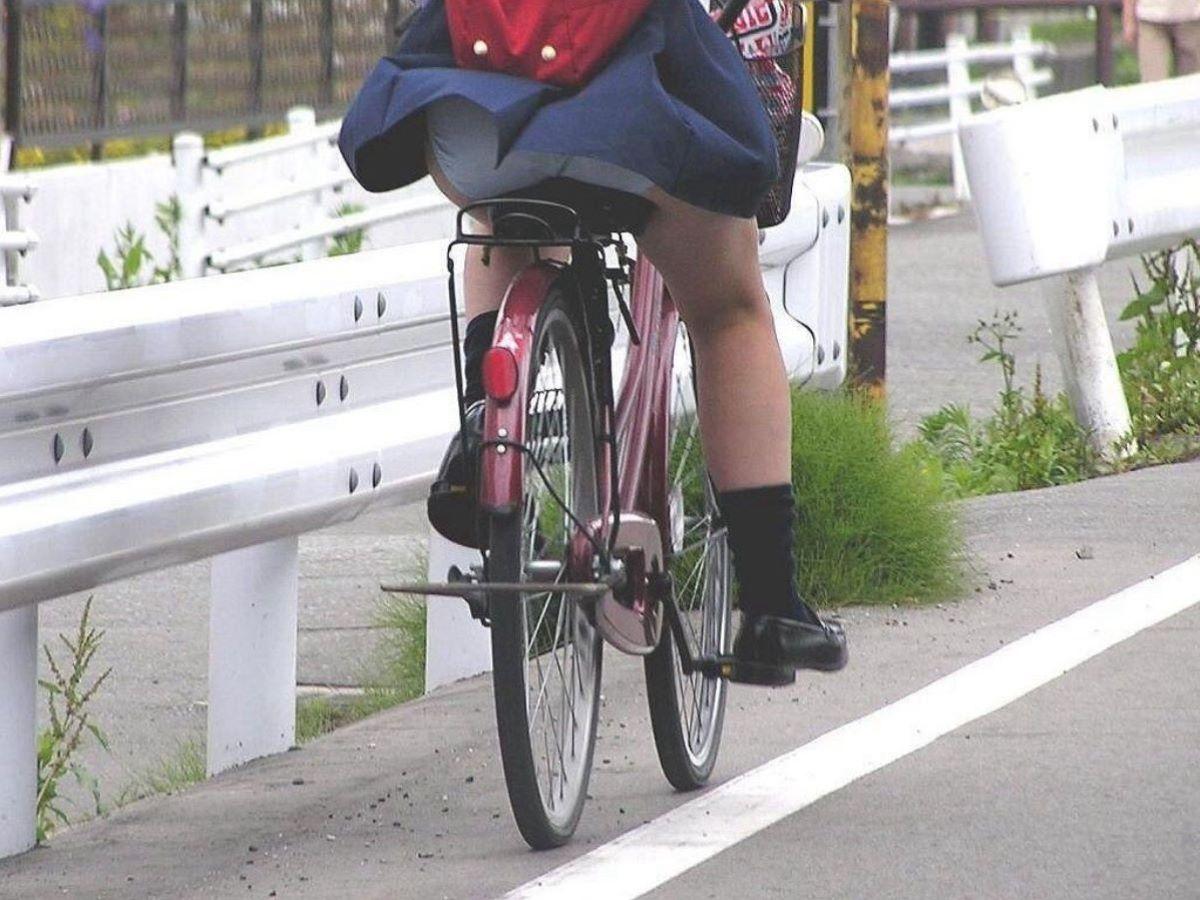 JK 自転車パンチラ画像 29