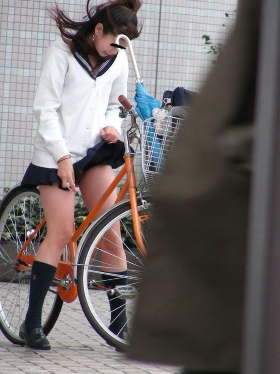 JK 自転車パンチラ画像 33