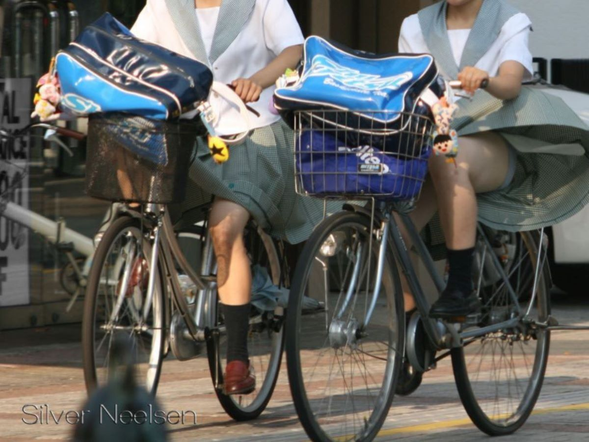 JK 自転車パンチラ画像 35