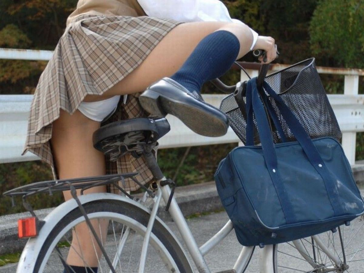 JK 自転車パンチラ画像 37