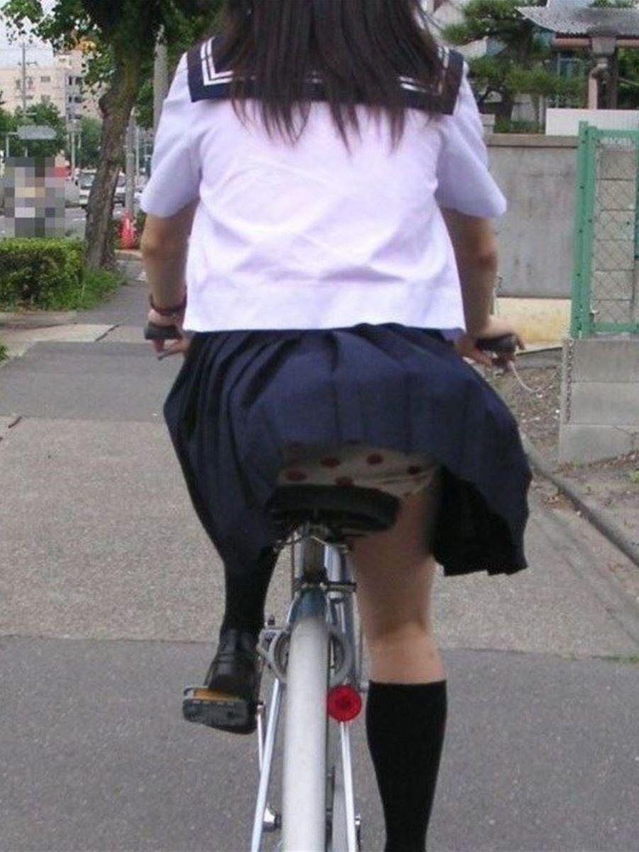 JK 自転車パンチラ画像 38