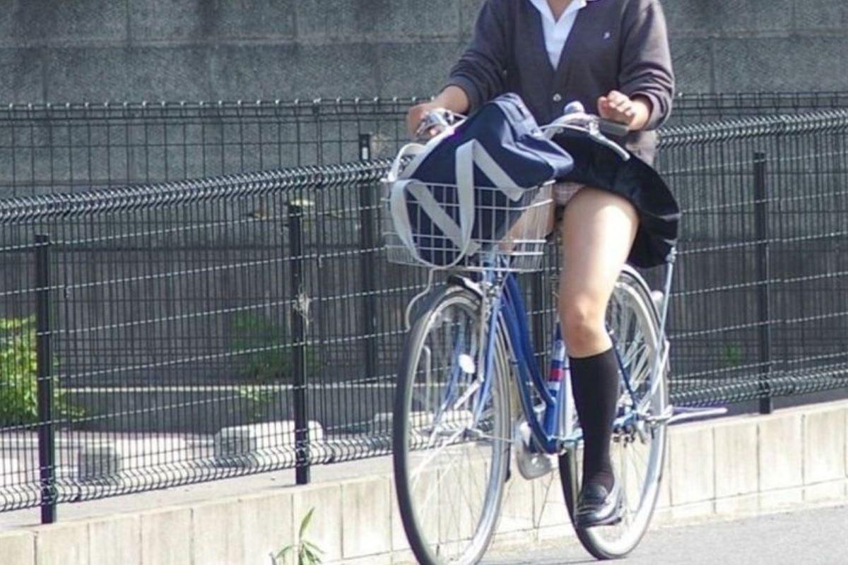 JK 自転車パンチラ画像 41