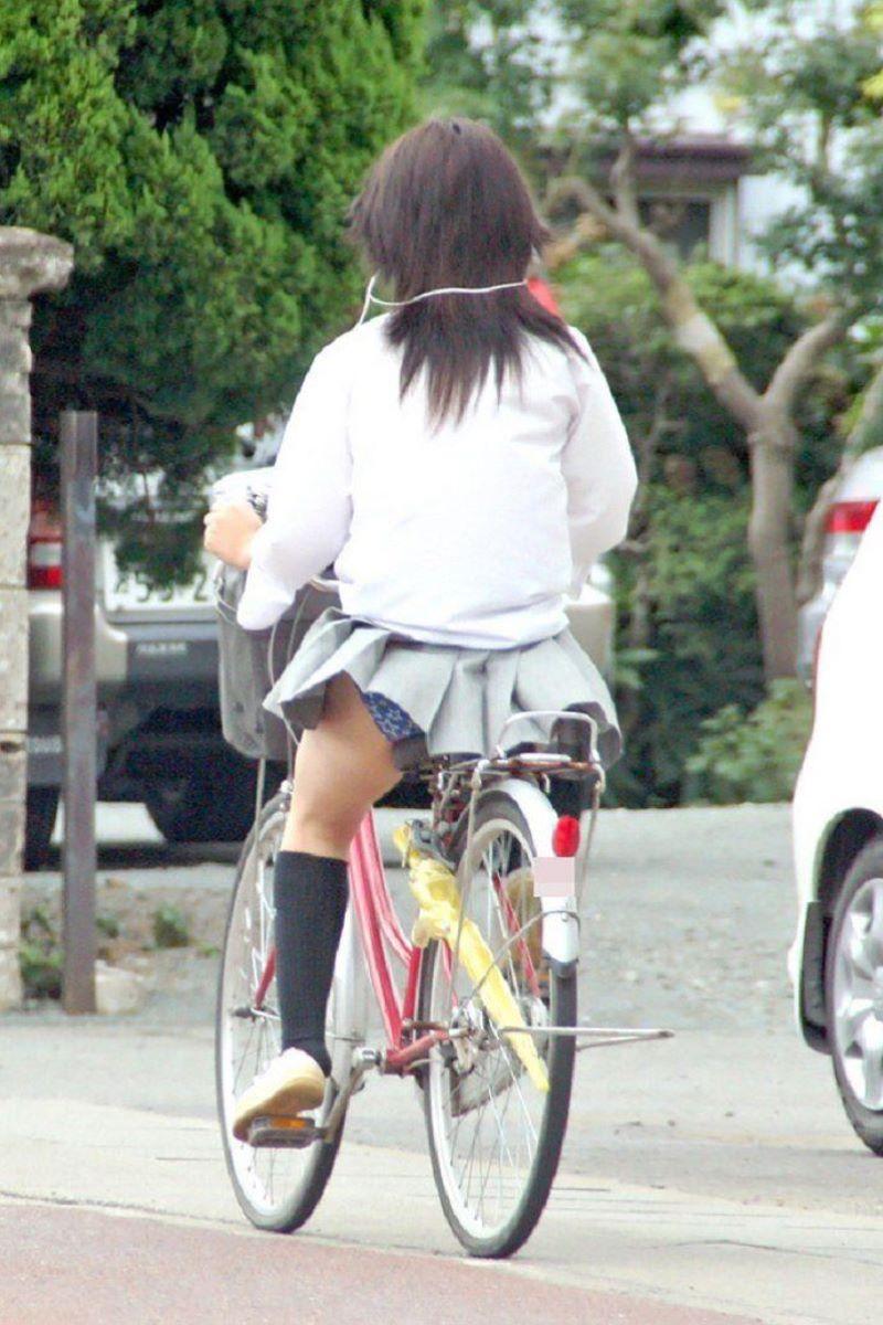 JK 自転車パンチラ画像 45