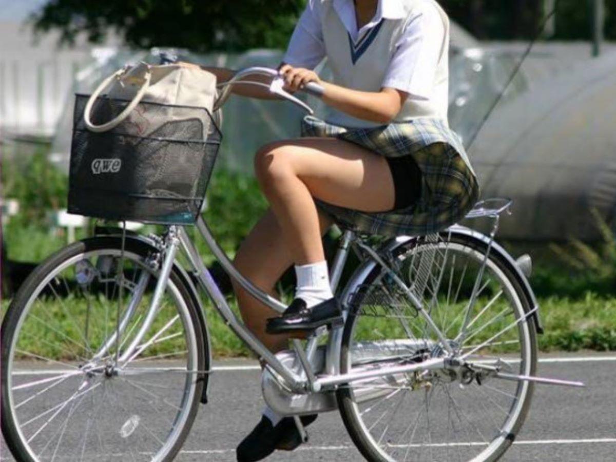 JK 自転車パンチラ画像 59