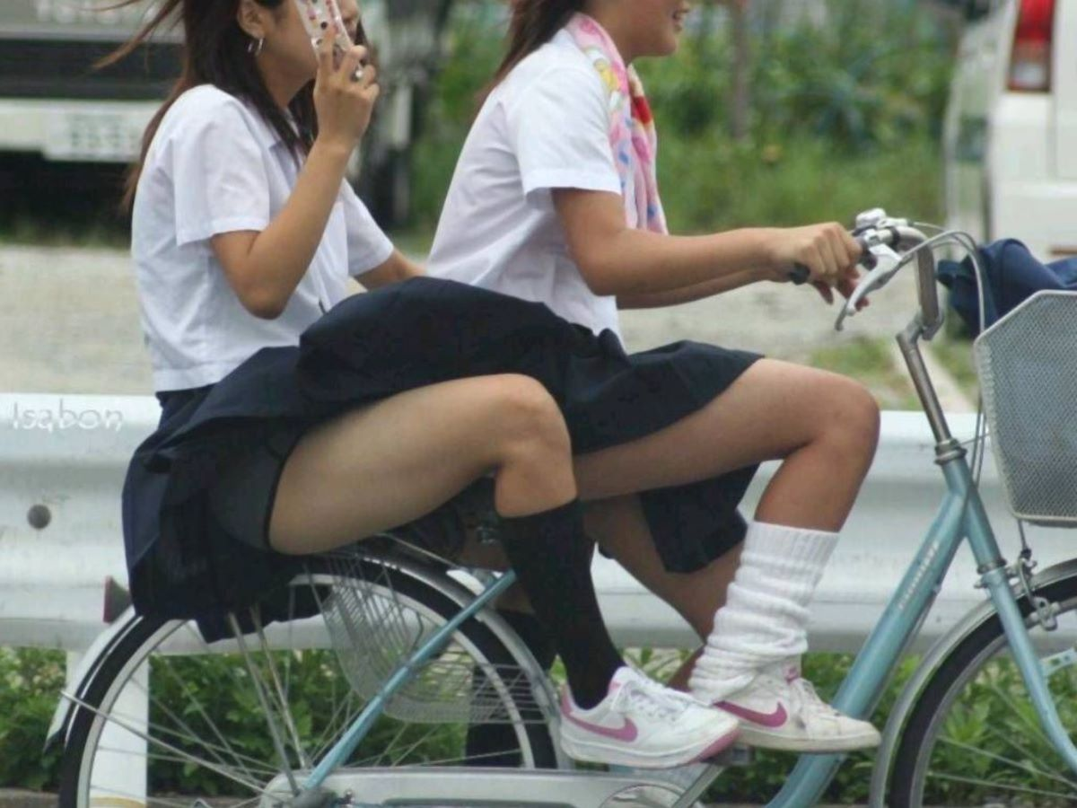JK 自転車パンチラ画像 64