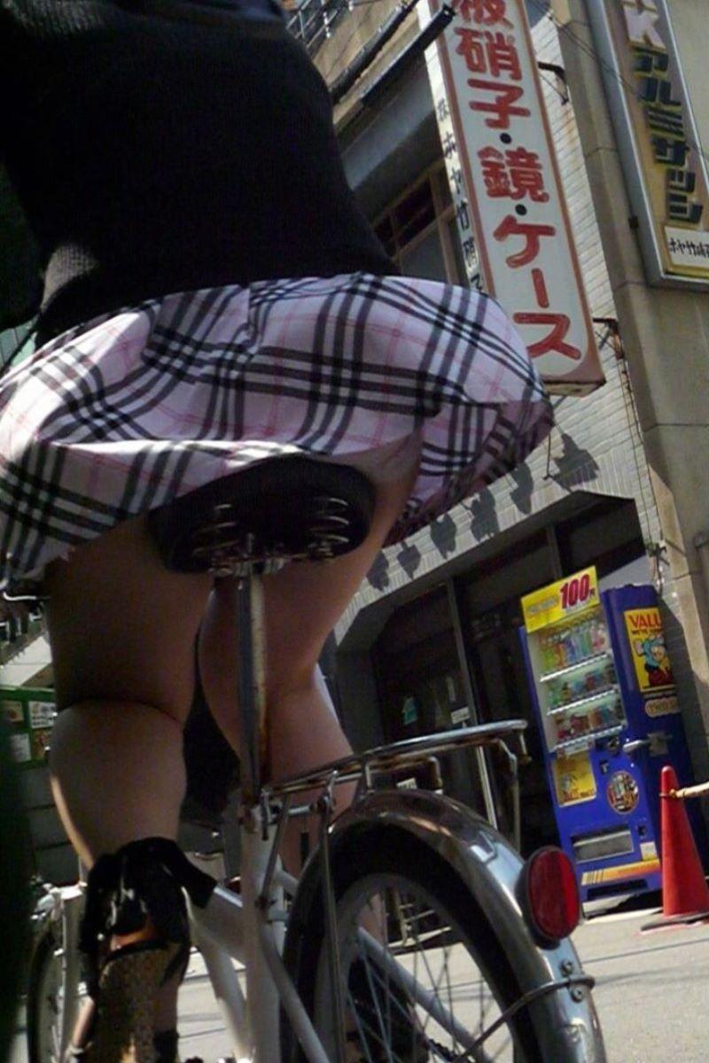 JK 自転車パンチラ画像 68