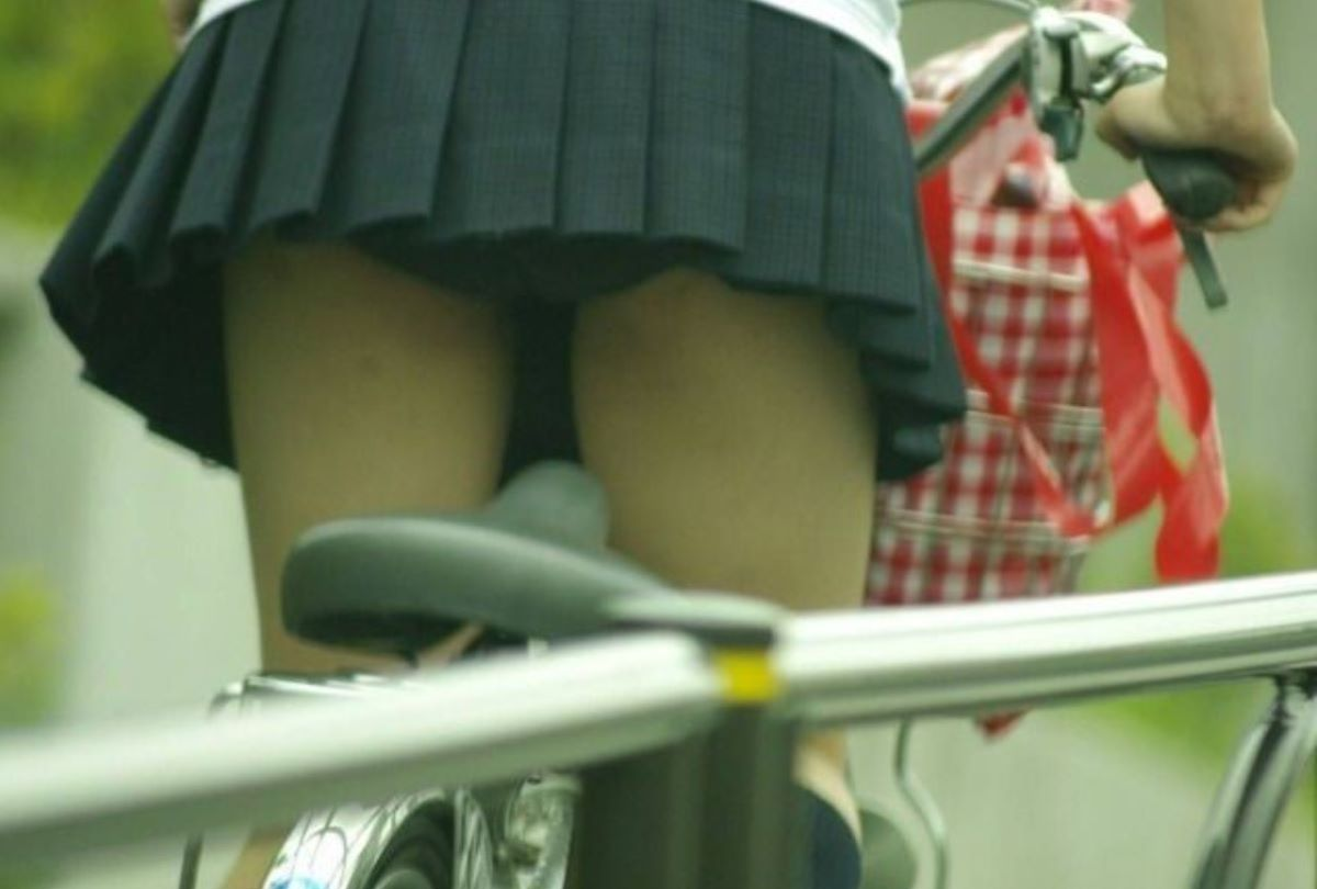 JK 自転車パンチラ画像 126