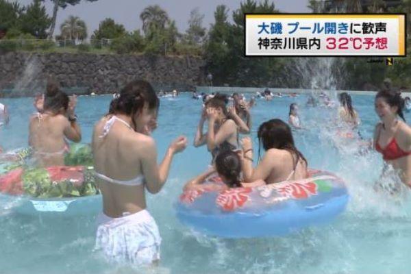 朝のニュースで水着素人のプルルンおっぱいが映る…(※画像あり)