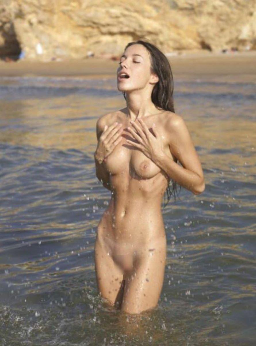 ヌーディストビーチ 画像 91