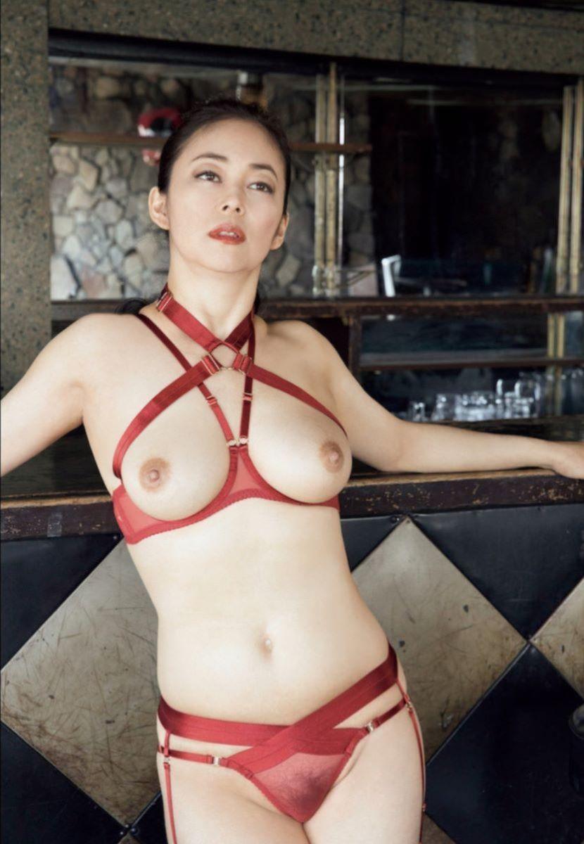 中島知子 最新 ヘアヌード画像 19