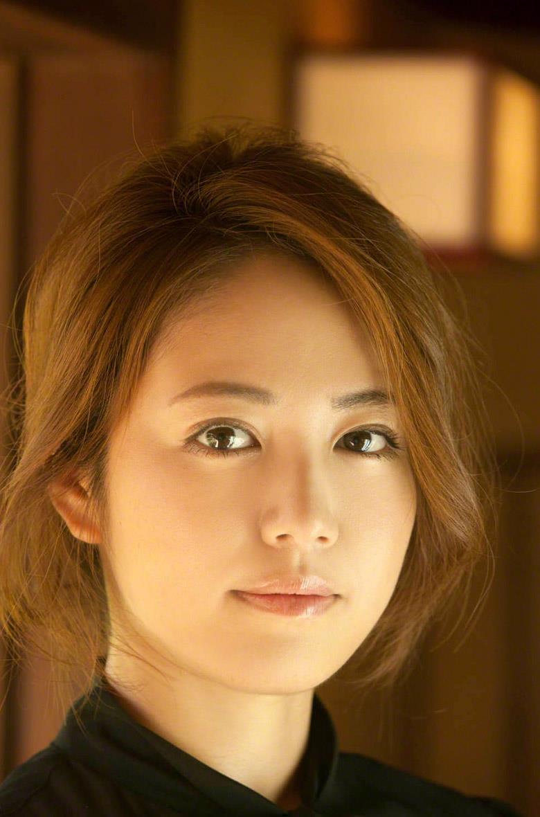Sayaka Isoyama Nude Photos 9