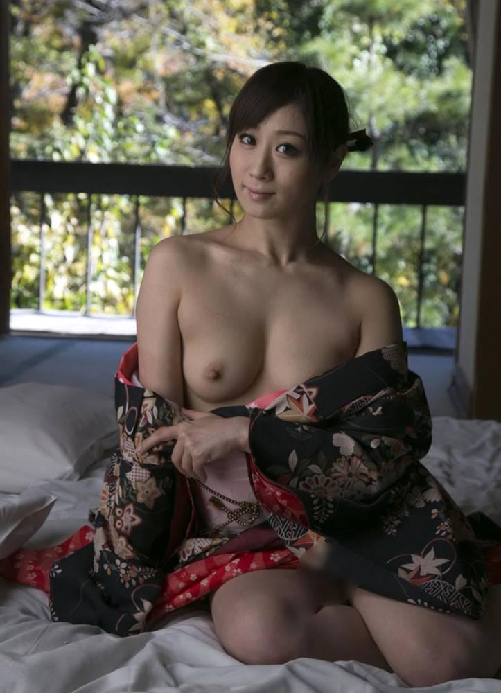 川上ゆう 和服ヌード画像 27
