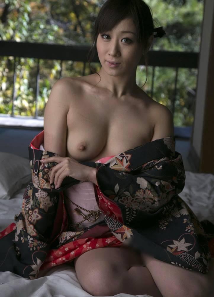 川上ゆう 和服ヌード画像 28