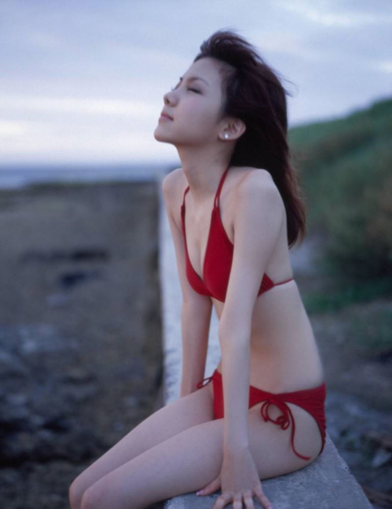 田中れいな ツリ目が可愛いエロ画像 76
