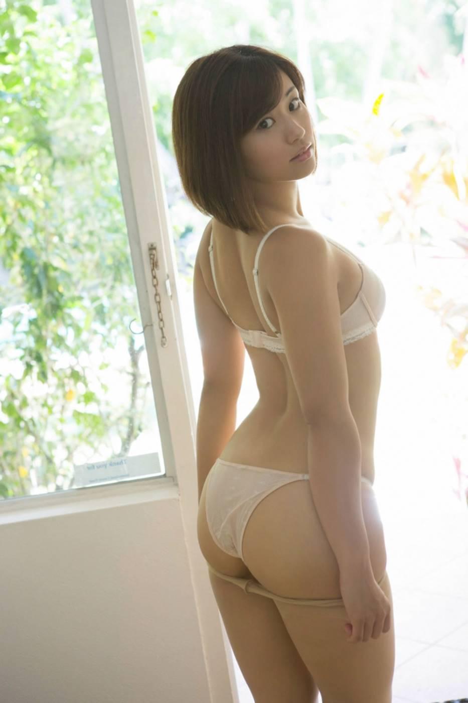 安枝瞳 エロ画像 16