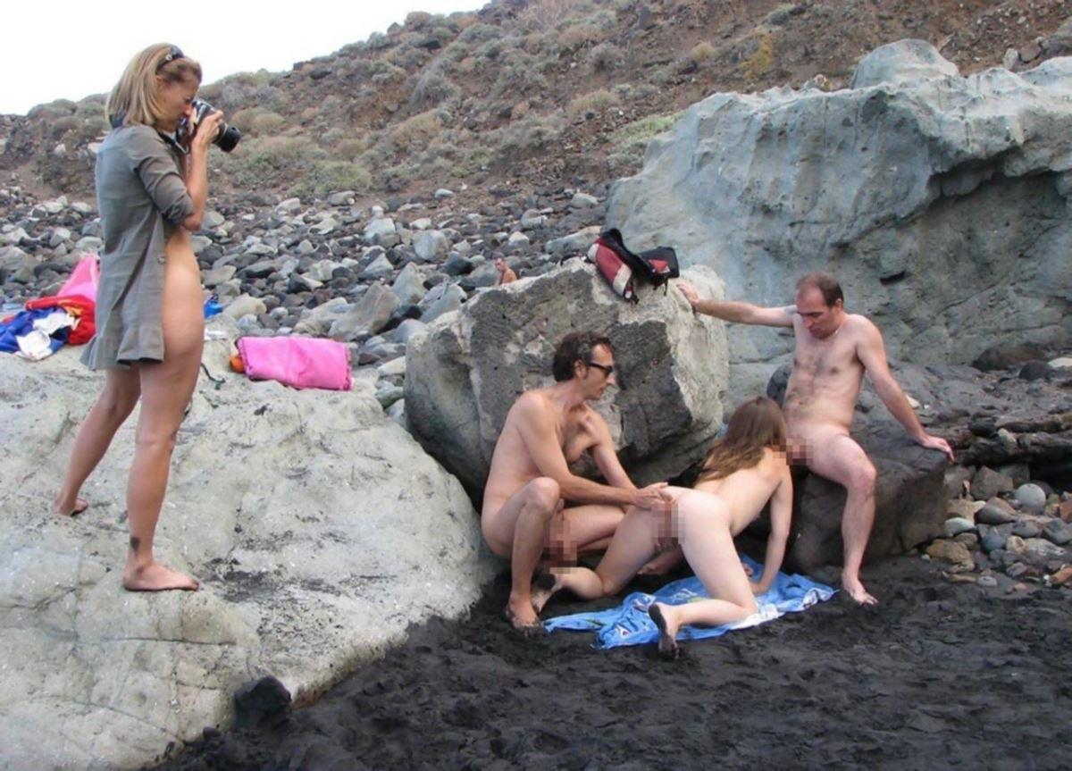 ヌーディストビーチ画像 13