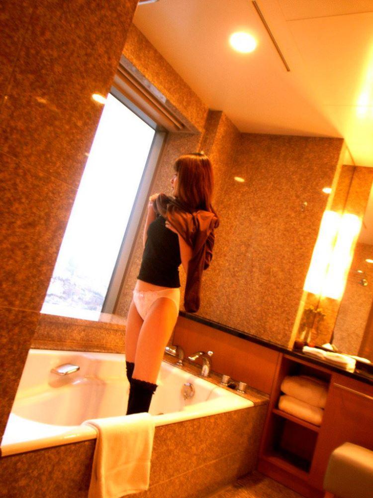 茶色コーデが可愛い女子大生の素人ハメ撮り画像 16