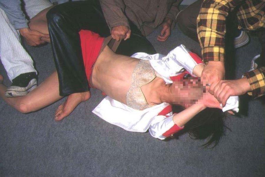 強姦・レイプ画像 19
