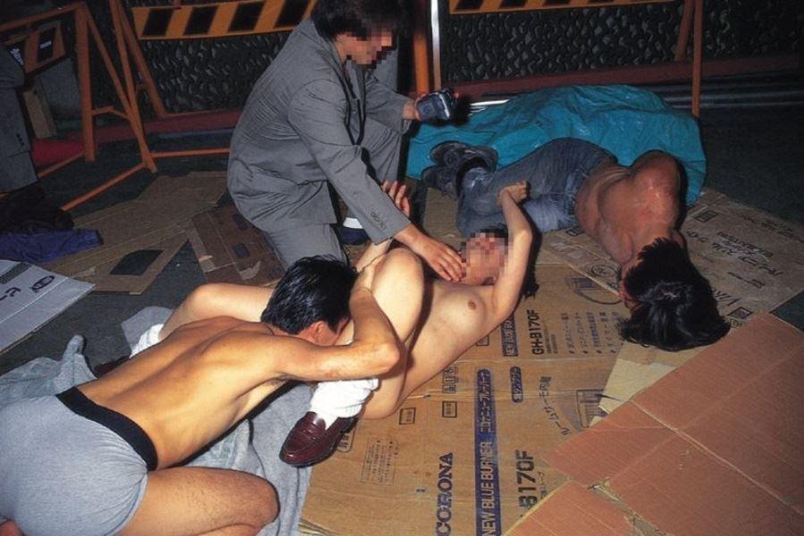 強姦・レイプ画像 26