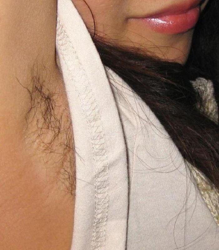 女のワキ毛画像 14