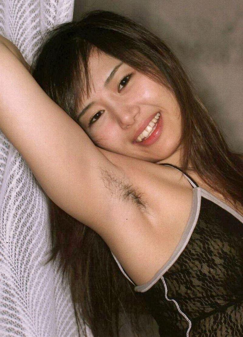 女のワキ毛画像 32