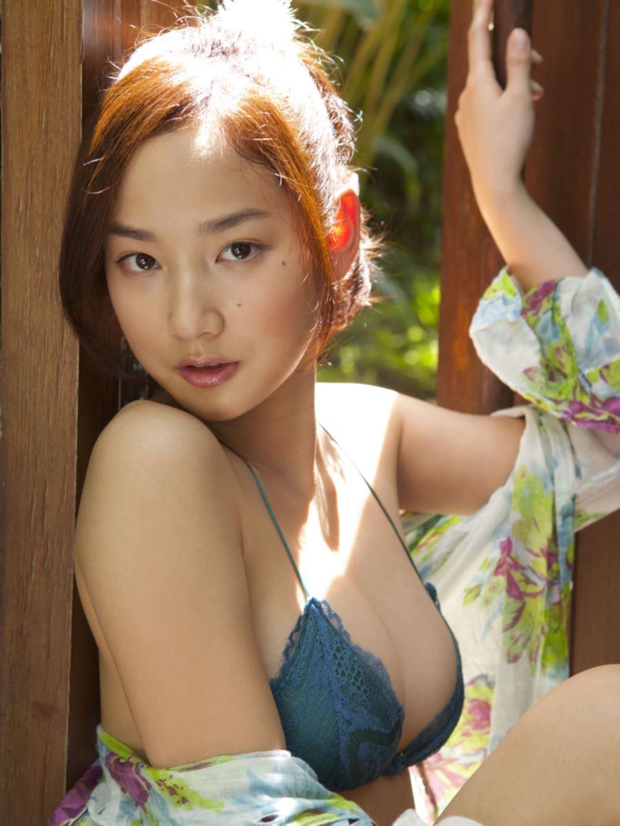 高嶋香帆 セクシー画像 9