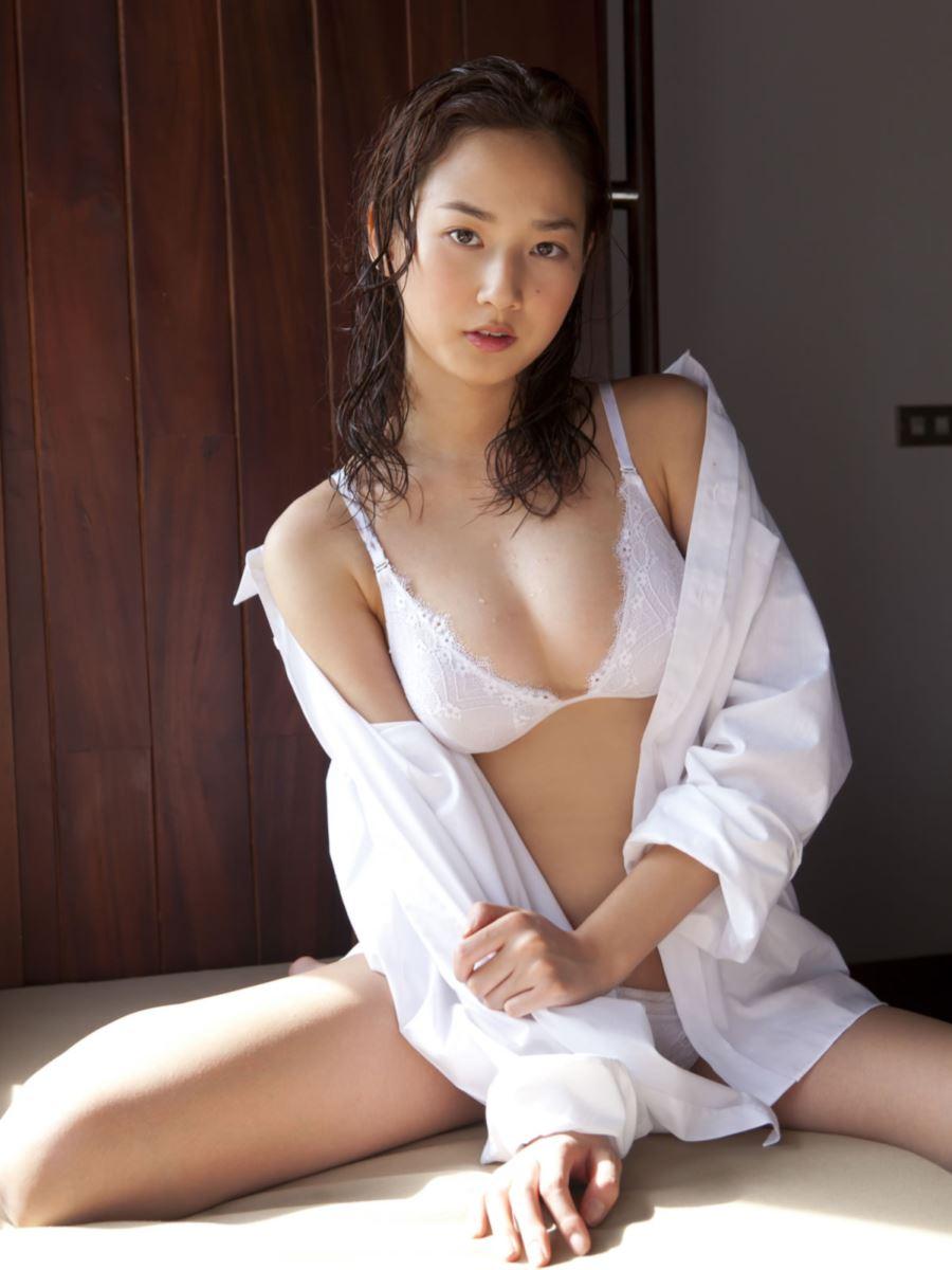 高嶋香帆 セクシー画像 24
